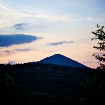 Il tramonto dietro la nostra montagna
