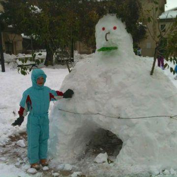 Yves piace il pupazzo di neve