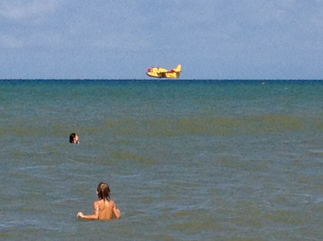 La Canadair al mare