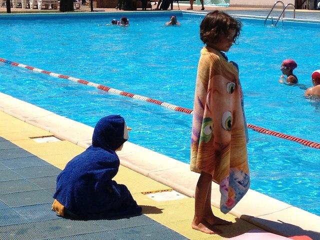 C'è anche il Pinguschonso al corso nuoto