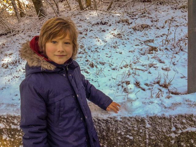 Fonzie piace il pupazzo di neve