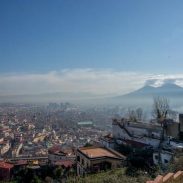 Guardate che bel panorama di Napoli