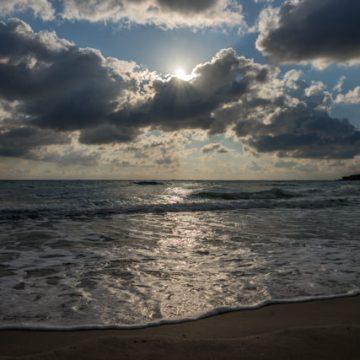 L'alba sul mare adriatico