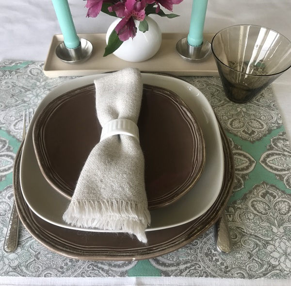 Tabletop Tuesday: Mint + Mocha