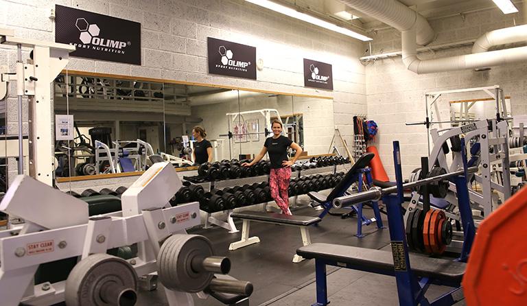 Yvonne, Roars gym