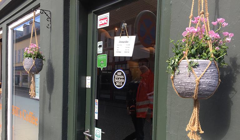 Inngangspartiet til en kafé i Århus.