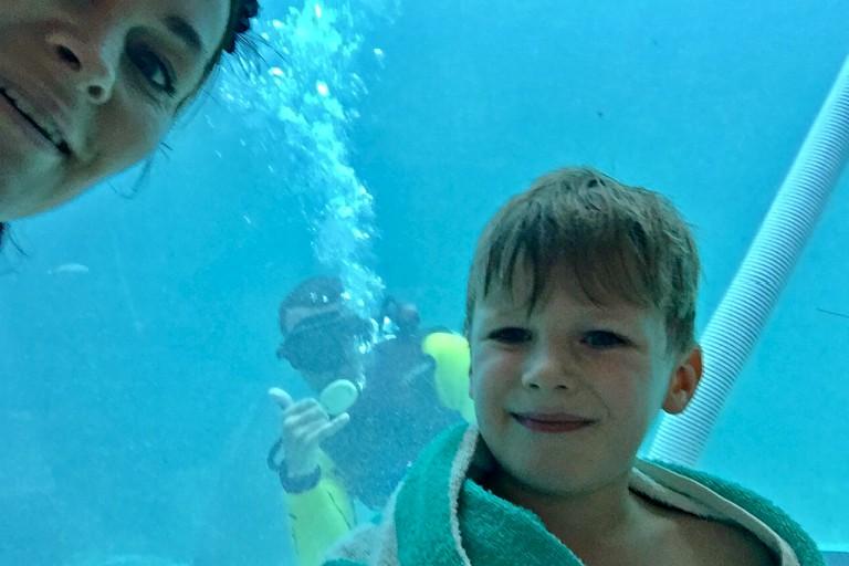 Leander, Yvonne og random dykker