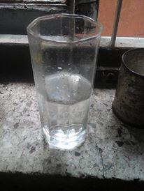 Nisha24 Wasser halb