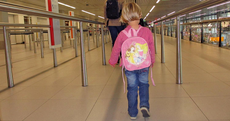 Vliegen met kinderen en alleen handbagage