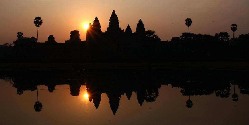 zonsopkomst Angkor Wat Zuid-Oost Azië-must-see