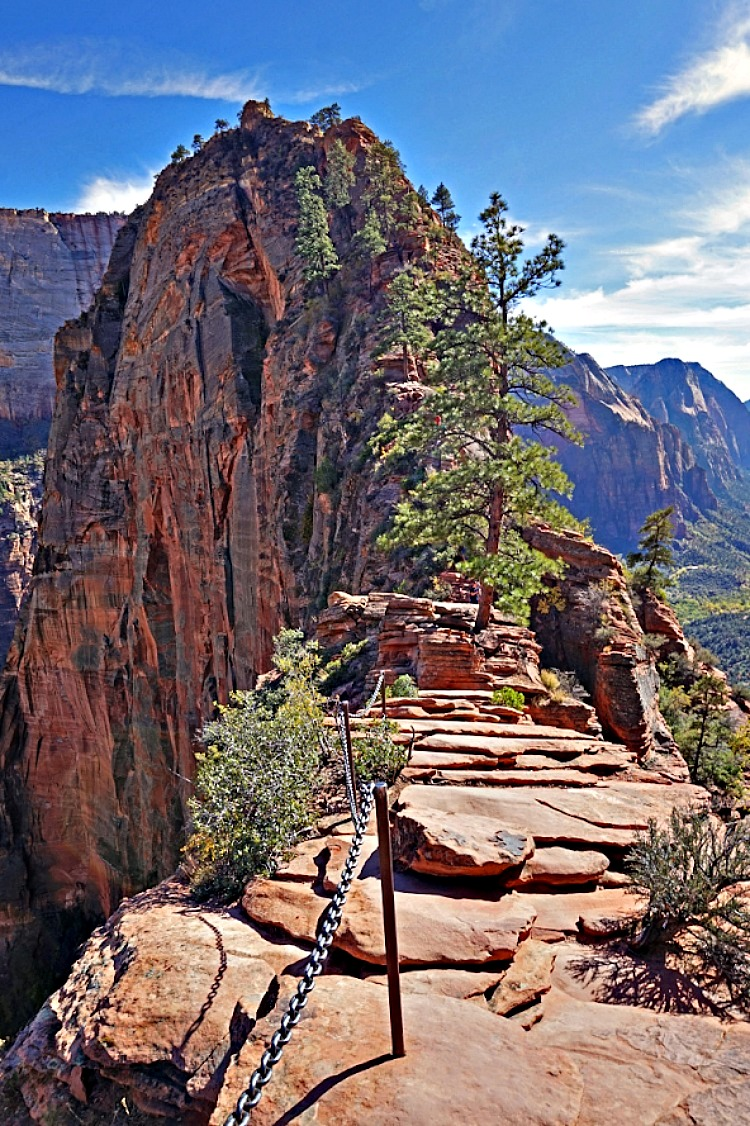 Why Utah is the Best State for Nature Lovers. Famous Angel Landing hike.