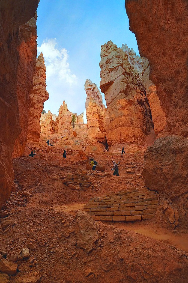 Why Utah is the Best State for Nature Lovers . Hiking in Bryce Canyon National Park.