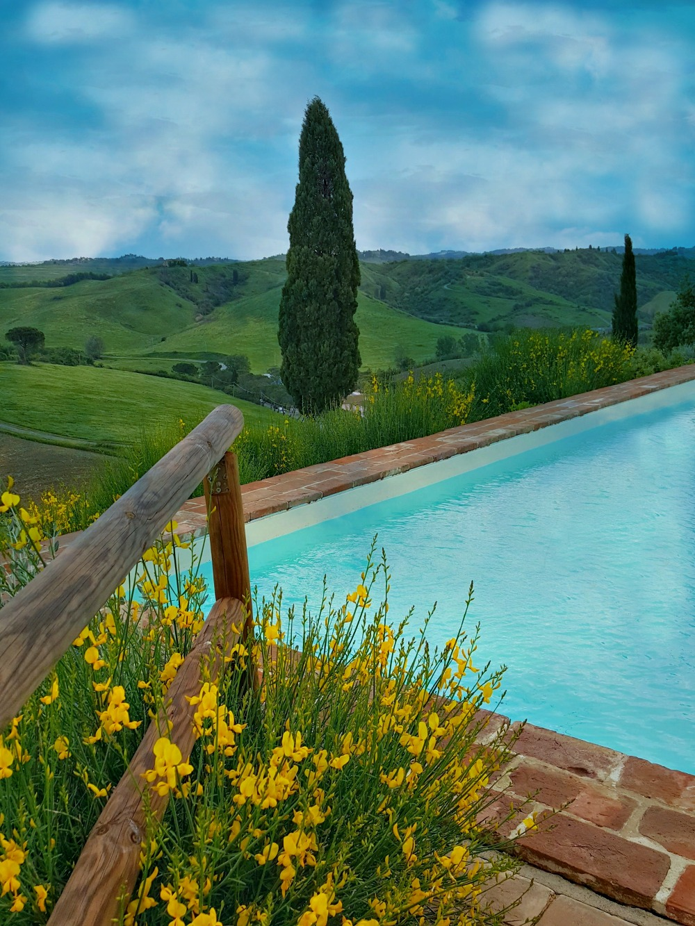 Podere Benintendi hotel's ground located in the heart of Tuscany.