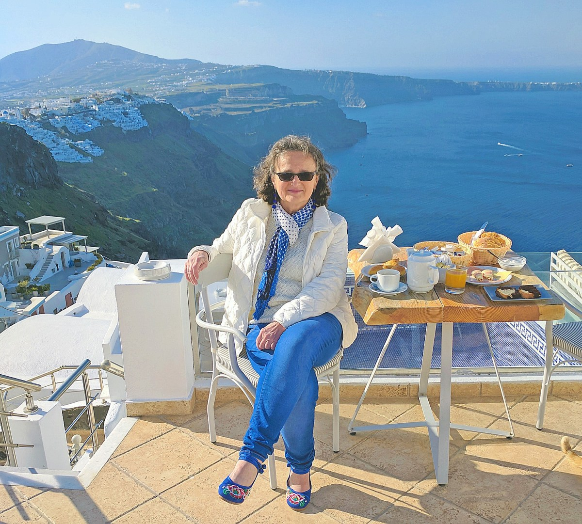 Nefeli Homes Santorini - breakfast with a view.