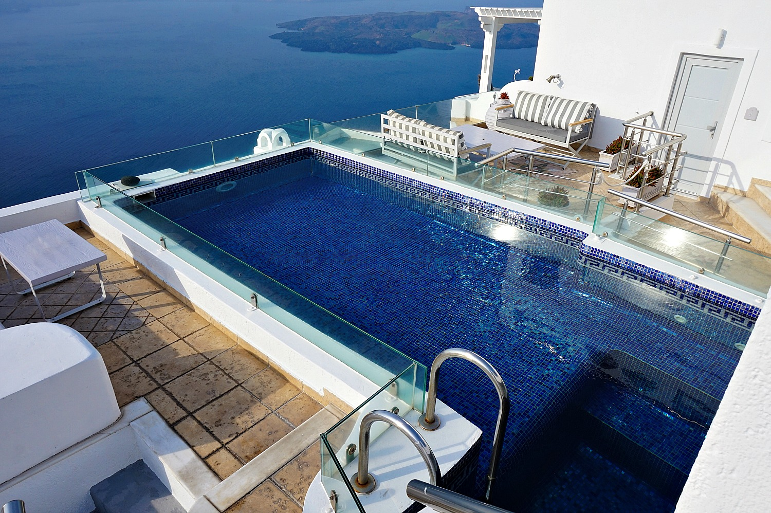 Infinity pool at Nefeli Homes Santorini.