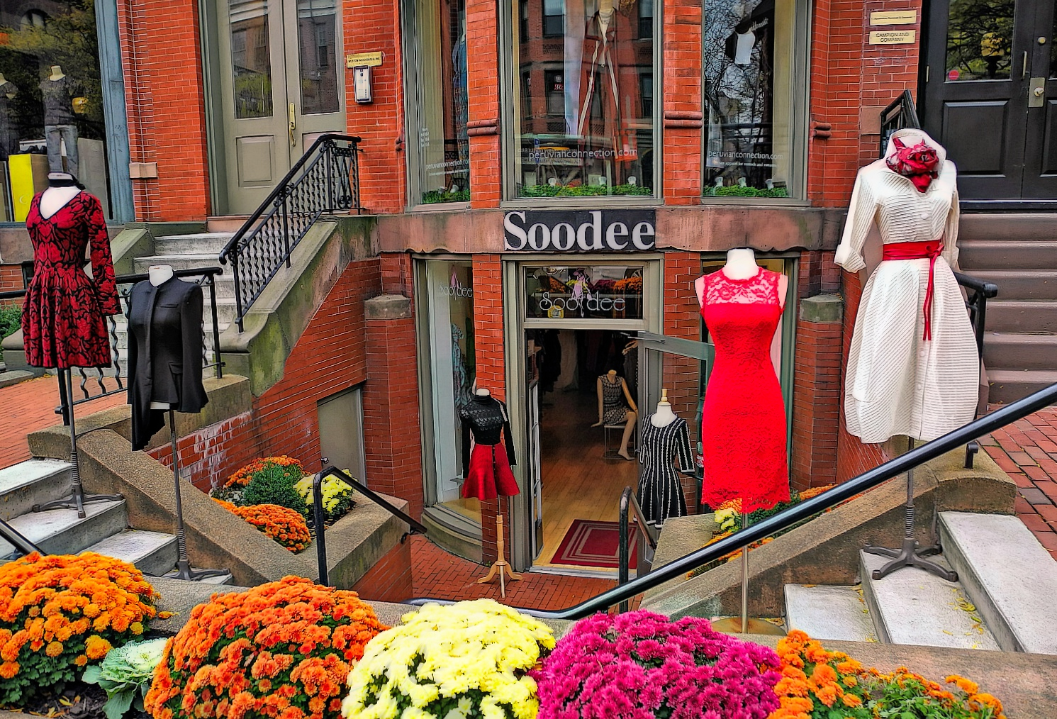 Charming shopping area of Boston - Mulberry Street.