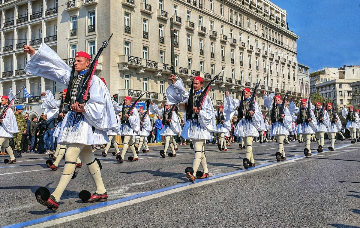 Crows arrive each Sunday at 11 a.m. to watch a parade and changing of the guards in Athens.