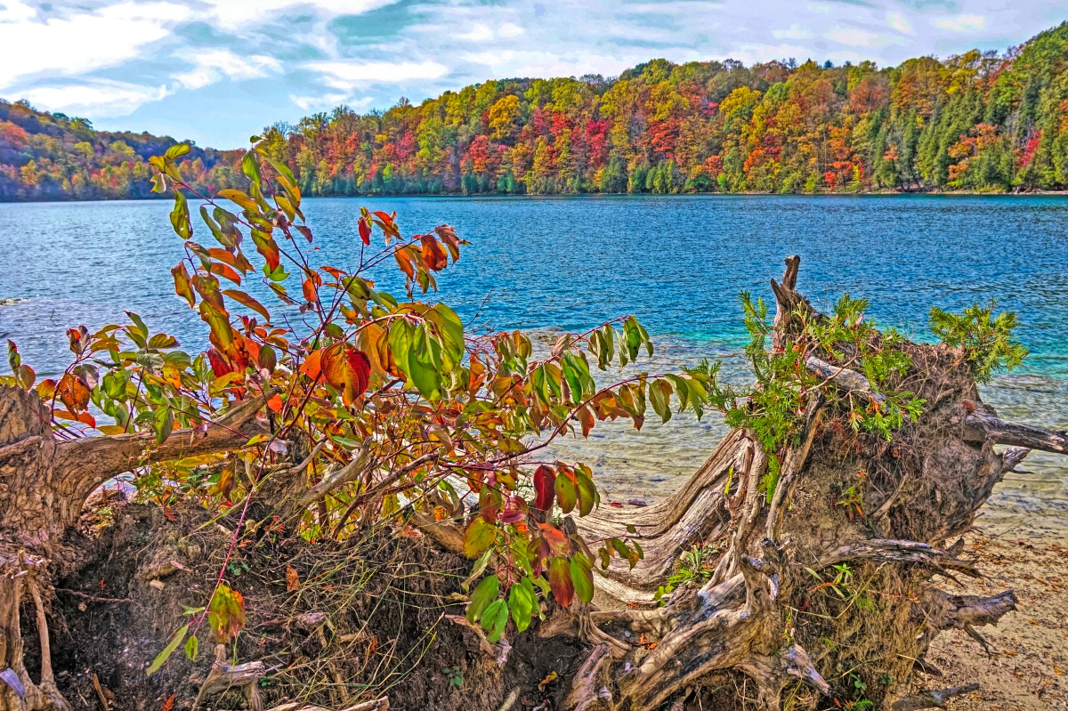 Best state parks in New York State. Green Lakes State Park.