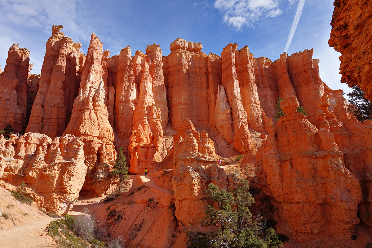 Bryce Canyon National Park. Hiking among hoodoos.