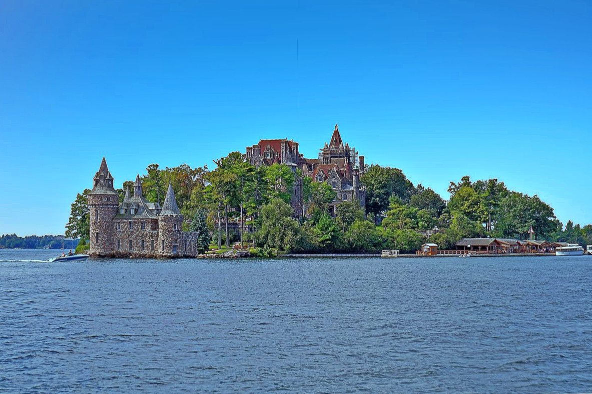 1000 Island's primary attraction, the Boldt Castle.
