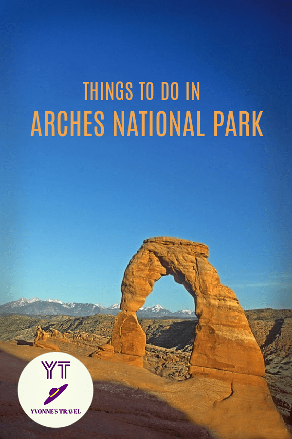 One of the Mighty 5 of Utah, Arches National Park invites you for an amazing adventure among arches, balanced rocks, spires, and pinnacles.