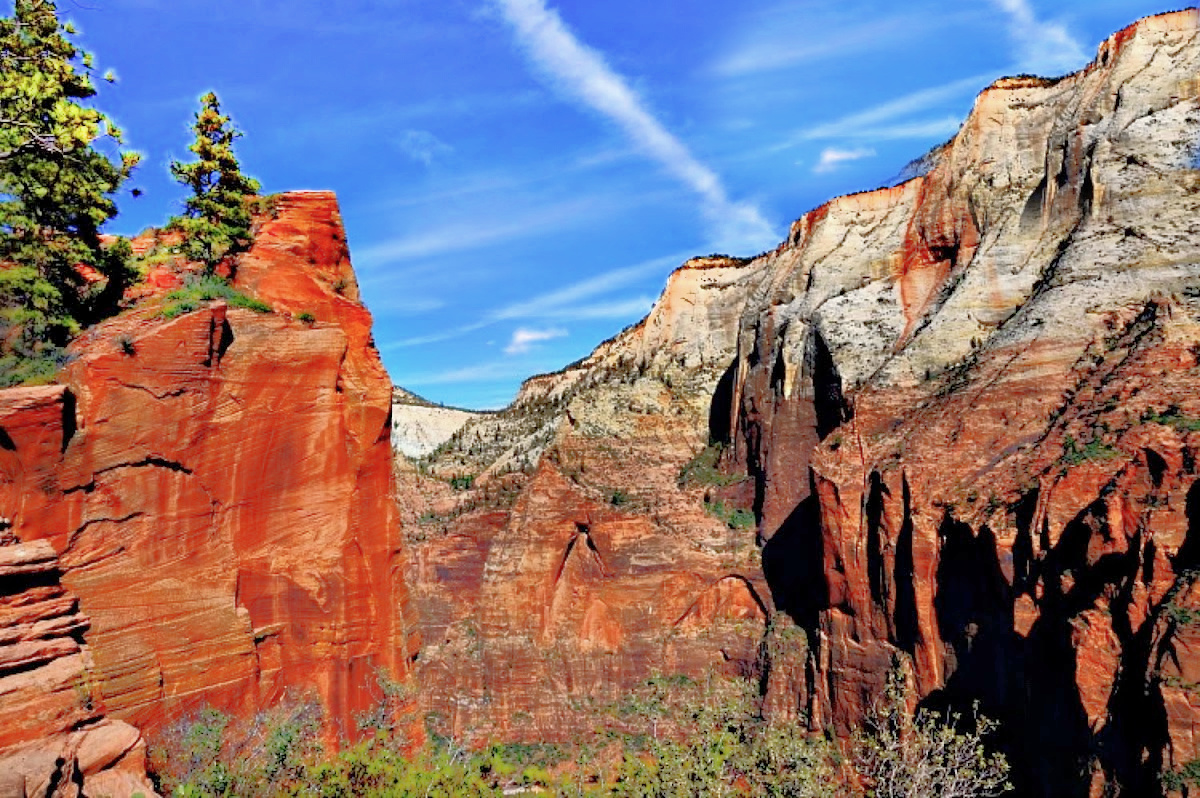 Best national parks to visit in winter. Zion National Park invites with its colorful rocks at any time of the year.