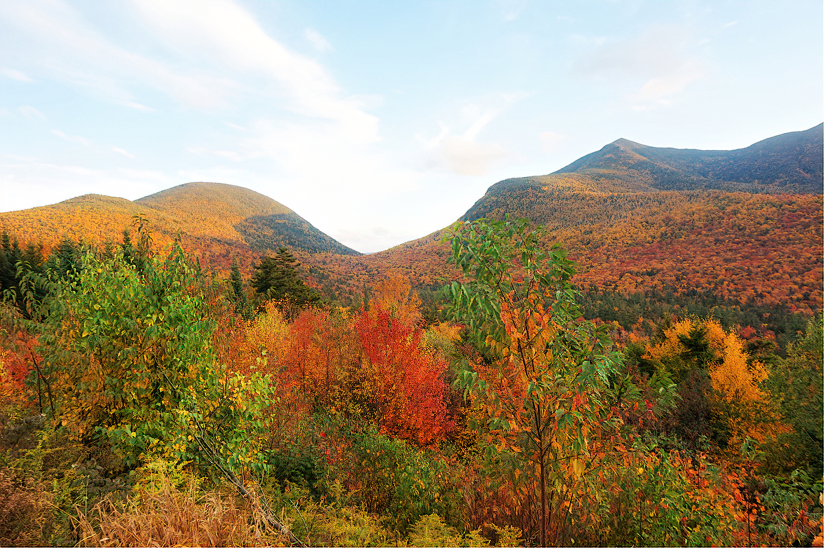 White Mountains in New Hampshire are one of the most popular fall destinations for leaf peeping.