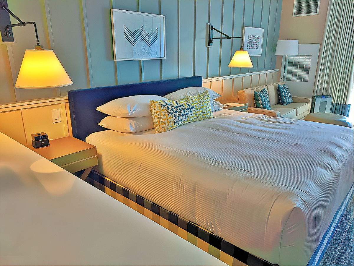 Rooms at Cliff House Maine are bright and inviting.