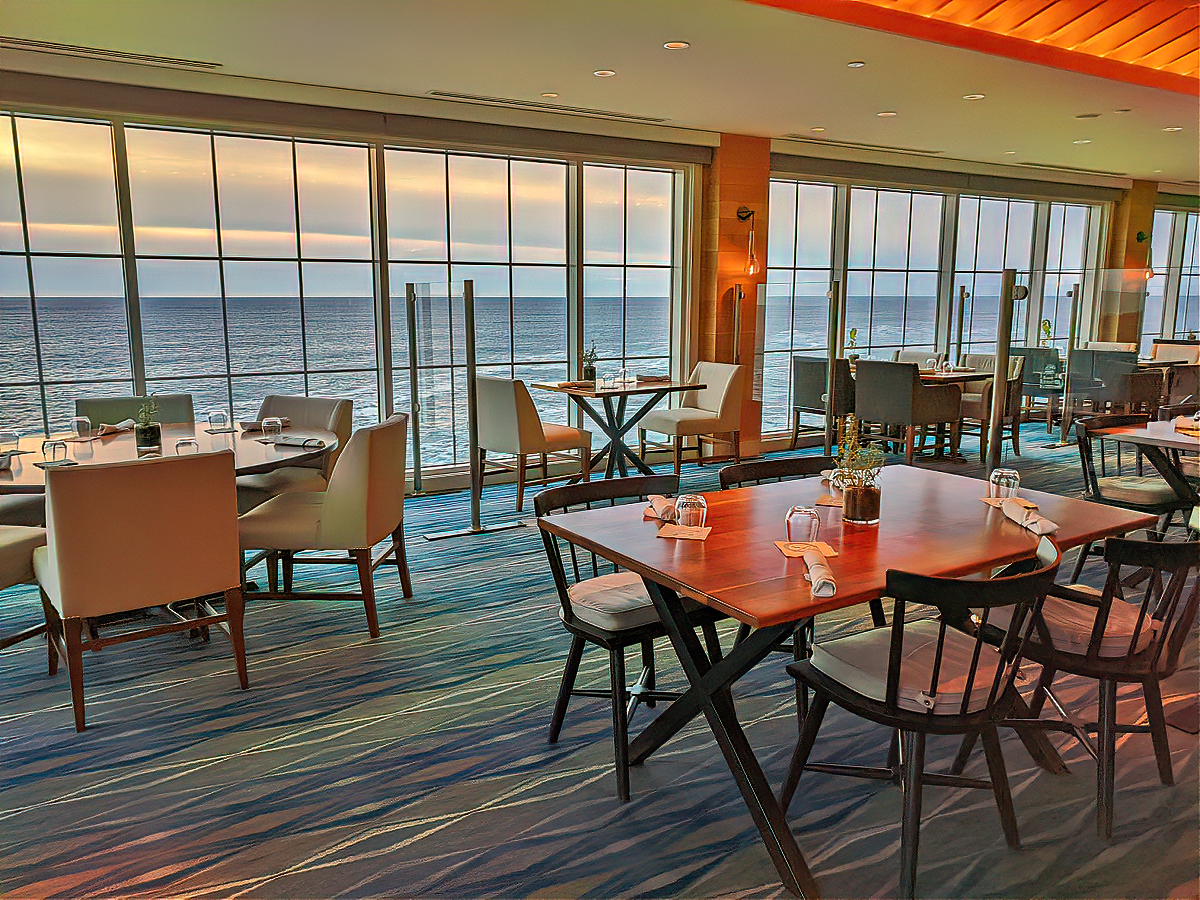 Dining with a view at Cliff House Maine.