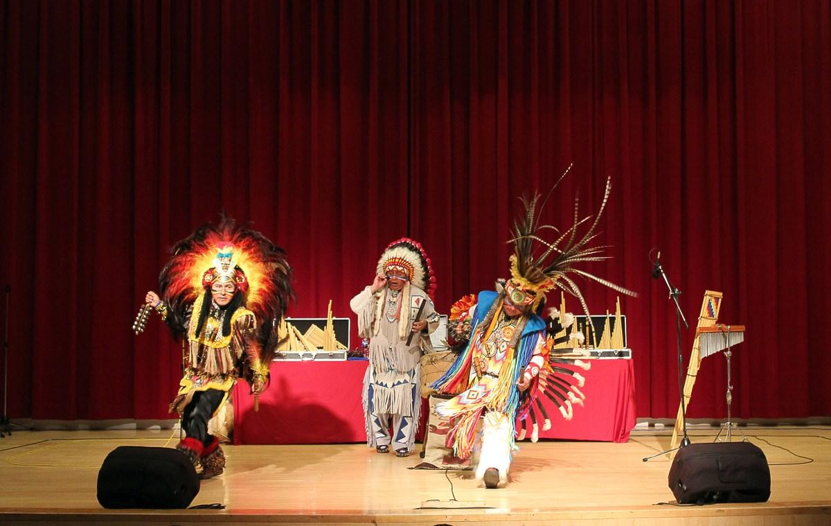 樂器歌聲相互交融 玻利維亞安地斯樂團演奏出民族靈魂