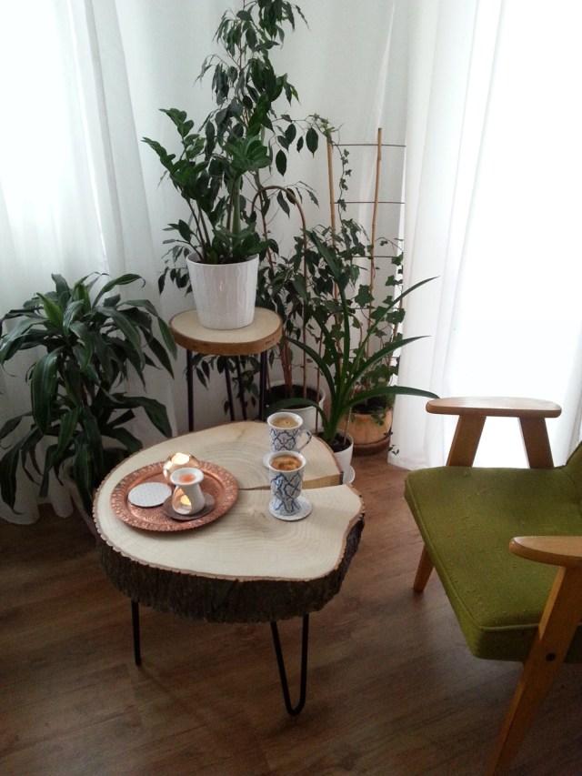 12 diy stolik z plastra drewna na trzech nóżkach hairpin legs podstawka pod kwiatka kawowy nocny pomocnik diy do it yourself jak zrobić