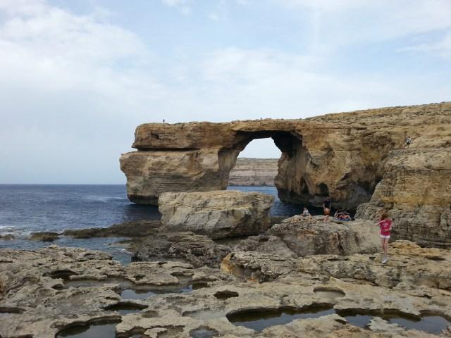 34 Malta azure window skały morze