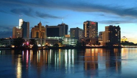 Kuching - along the river