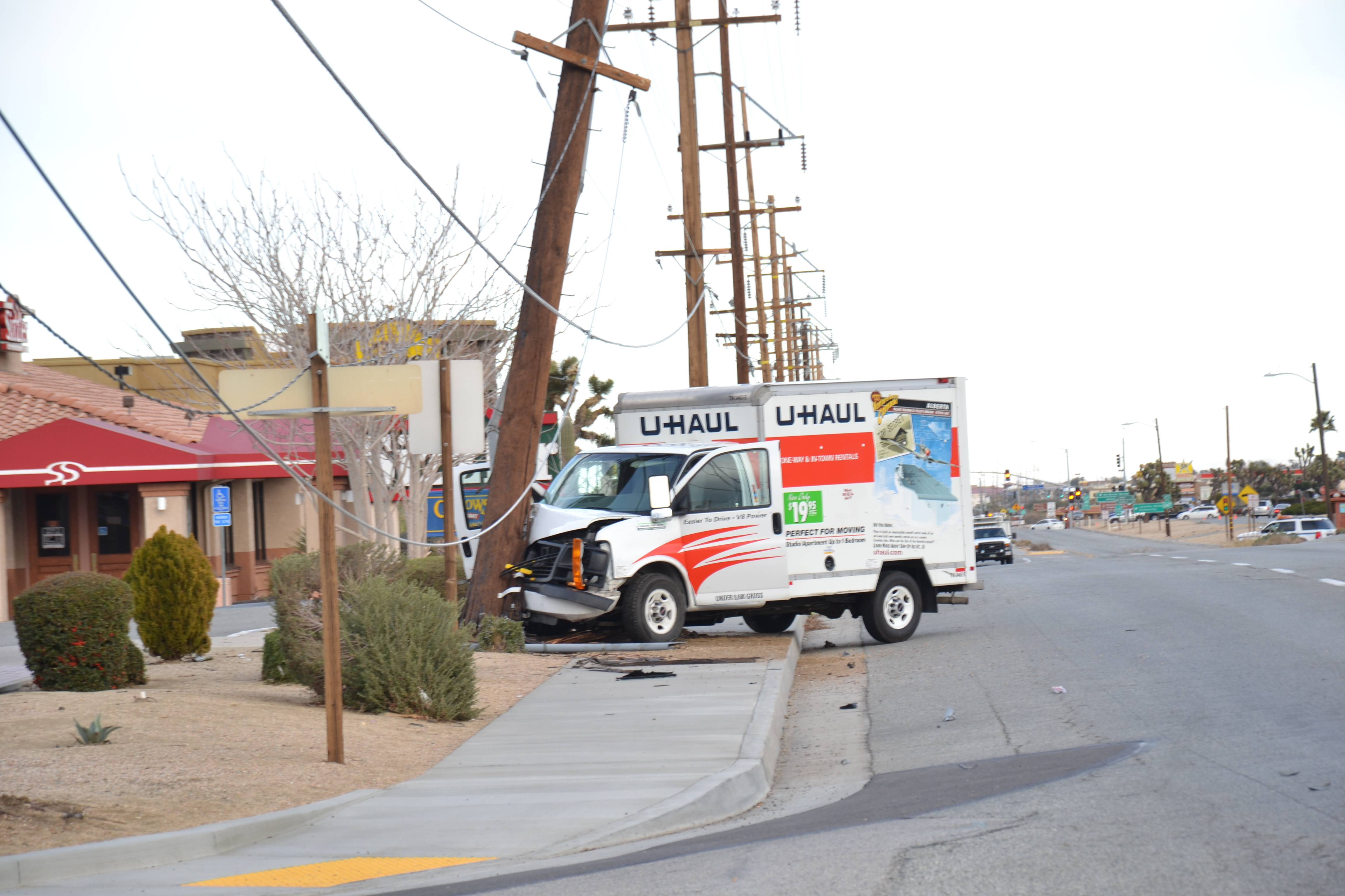 Yucca Valley Breaking News >> Breaking News Purse Snatcher Causes Power Outage And Road