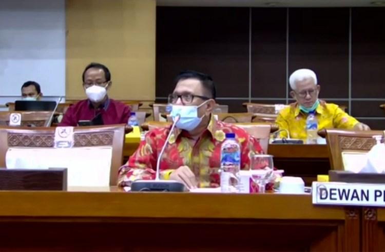Wakil Ketua Dewan Pers Sedang Paparkan Program di RDP Bersama Komisi I DPR RI