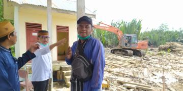 Anggota DPR RI Meninjau Pembangunan Gedung SMPN 14 Tanjab Timur
