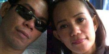 Endria Putra dan Evi Gustina pemilik Fortuner BH 333 VI yang menyebarkan Sembako di Jaluko/ Facebook