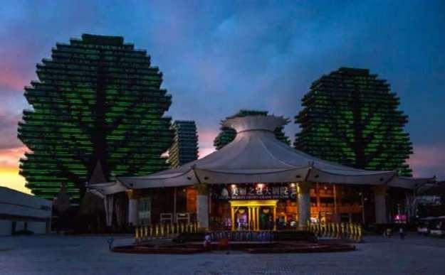 Дома-деревья в Китае: какие вокруг них ходят слухи и почему чудо-здания пустуют (10 фото)