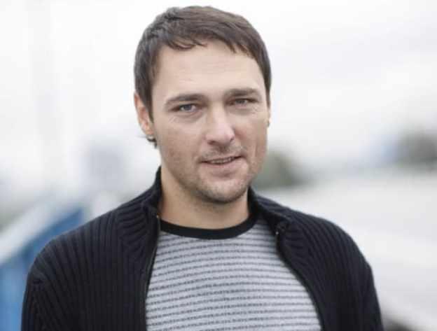 Юрию Шатунову – 46: Правда ли то, что звезда -Ласкового мая- больше не споет -Белые розы-?