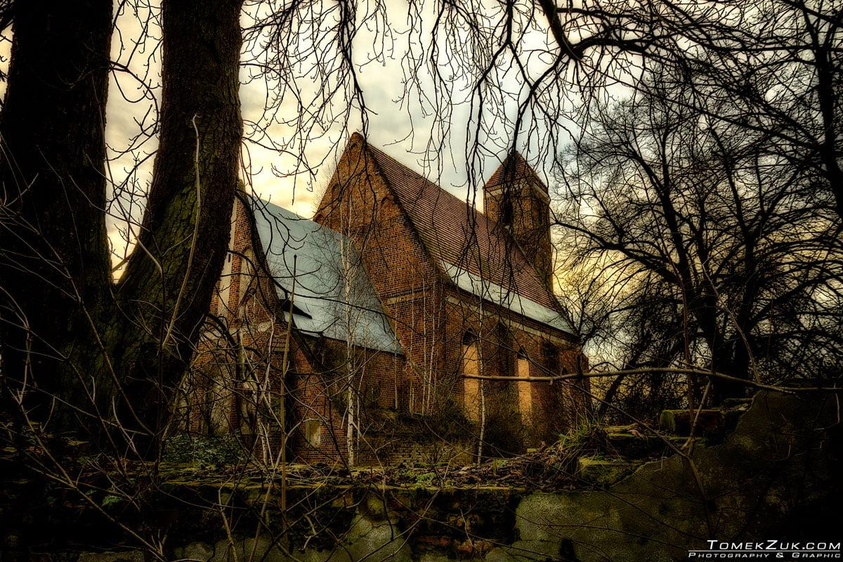 Ruina kościoła w Rapocinie