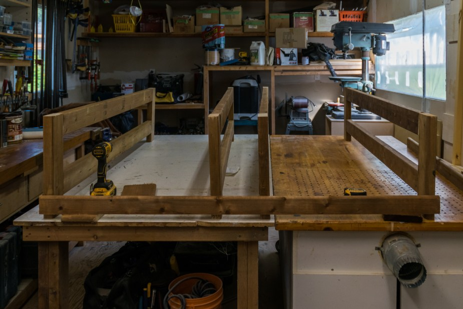Deck Table (11 of 23)