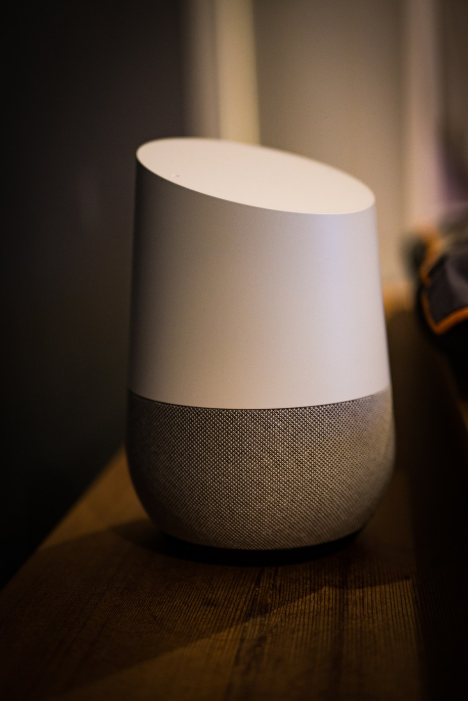 Google Home (1 of 3)