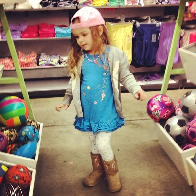 milly-dancing-in-old-navy