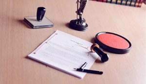 Przyznanie spadkobiercom poszczególnych przedmiotów w testamencie a dział spadku