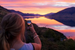 You know when the sun's setting and all of a sudden there's this explosion of colour. That in combination with the flattest Lake Wanaka I have ever seen at sunset was a great way to start our roadtrip to Hokatika for the Wildfood festival.