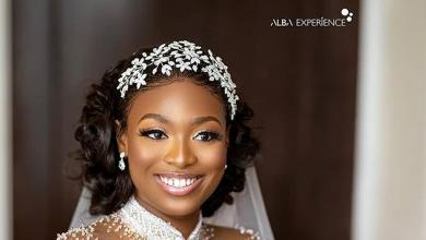 Despite son's wedding: Upclose photo of Tracy's elegant wedding gown [ARTICLE]