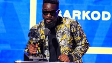 Sarkodie and Yemi Alade bury the hatchet
