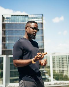 It's Only Poor Men Who Are Found In The Kitchen Helping Out Their Women - Sarkodie