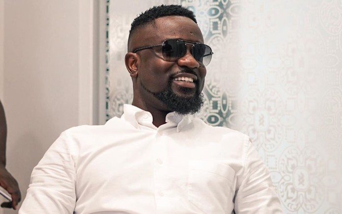 """[Just In:] Sarkodie Flaunt What Could be His New G-Wagon a day after releasing """"No Fugazy"""""""