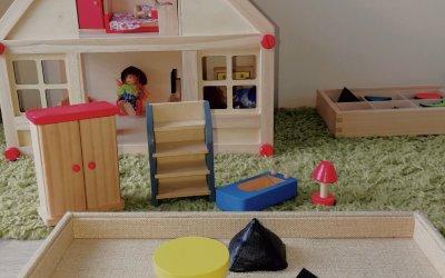 Co ma domek dla lalek do części mowy? – wprowadzenie rzeczownika